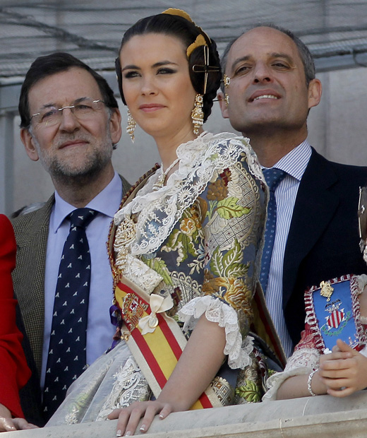 http://imagenes.publico.es/resources/archivos/2011/3/18/1300475937650rajoy4gd.jpg