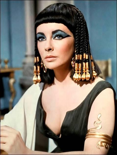 Durante su interpretación como 'Cleopatra'.