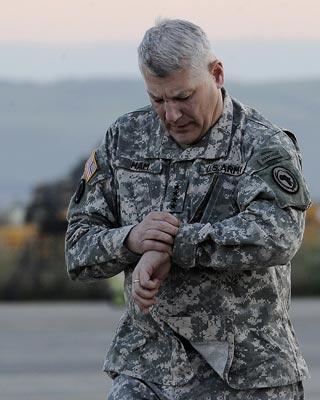 El jefe del Africom de EEUU, general Carter Ham, seguía ayer al mando de la operación.