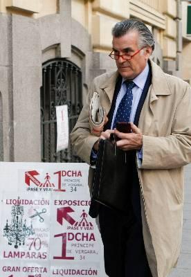 El extesorero y exsenador del PP Luis Bárcenas Gutiérrez era titular de cuatro cuentas en un banco de Ginebra (Suiza) que a finales de 2007 contaban con un saldo de al menos 22,1 millones de euros