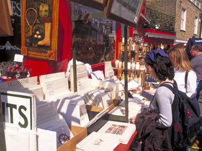 Camden Lock Market es un mercado mucho más grande que Portobello Road y con mucho más para ver / Turismo de Gran Bretaña.