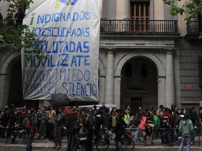 El colectivo de protesta Rompamos el silencio se manifestó ayer en Madrid. FERNANDO SÁNCHEZ