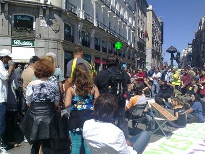 Asamblea durante la acampada en la Puerta del Sol.-