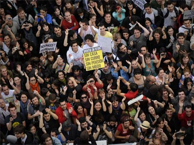 Manifestantes en sol. AFP