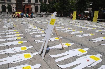 Acto de protesta de Amnistía Internacional en Madrid.