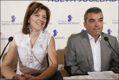 La presidenta de la Plataforma de Afectados de Clínicas de toda España de la Causa de Niños Robados, Mar Soriano, y el presidente de ANADIR, Antonio Barroso.
