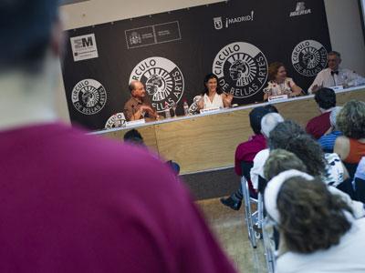 El público abarrotó el Círculo de Bellas Artes ayer en el Foro Público.-