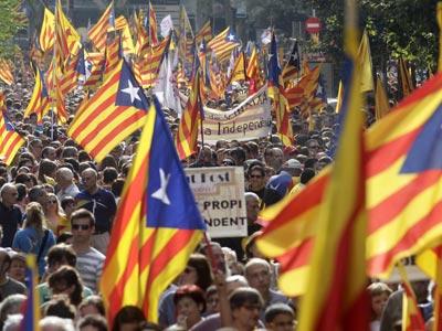 Varios miles de personas piden la independencia en Barcelona