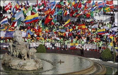 Plaza de la Cibeles durante la visita del papa a Madrid.
