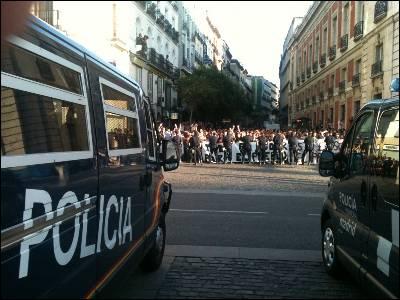 La Puerta del Sol, cortada.-