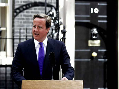 """Cameron considera que Gadafi está """"en total retirada"""""""