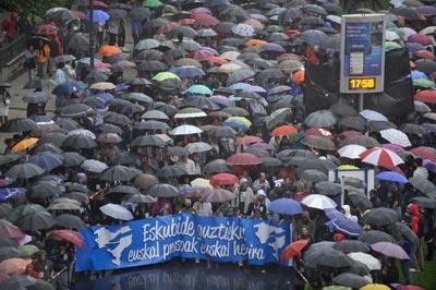 Manifestação contra a política de dispersão aplicadas aos prisioneiros da ETA na semana passada em San Sebastian BILBAO .- HUMBERTO