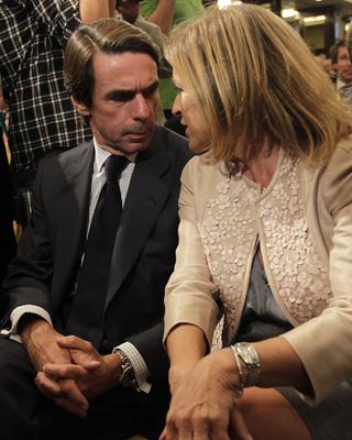 José María Aznar y su mujer, Ana Botella, la semana pasada en la presentación del libro de Rajoy.