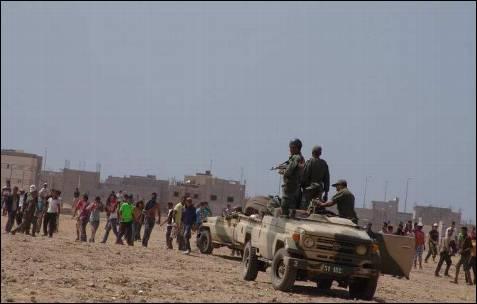 El Ejército de Rabat, enviado para mantener el orden, ayudó a los marroquíes durante los enfrentamientos en Dajla.