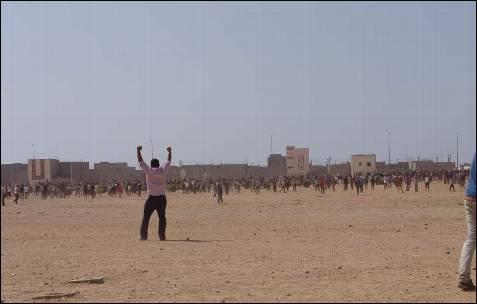 El enfrentamiento empezó por la rivalidad entre los hinchas de un equipo de fútbol local y otro marroquí.