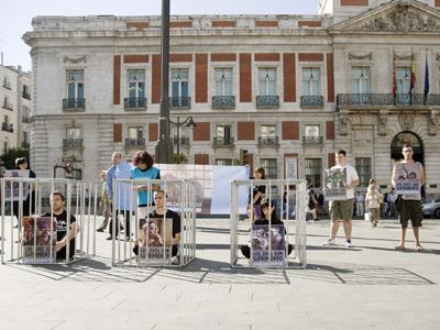 Activistas de Igualdad Animal, en su protesta del pasado día 15 en Madrid contra los zoológicos. EFE