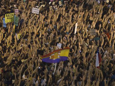 Multitudinaria marcha de los indignados en las calles de Madrid el 15 de octubre de 2011.-Fernando Navarrete