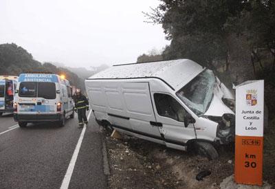 Dos hombres han resultado heridos hoy en un accidente de tráfico ocurrido a la altura del termino palentino de Cevico Navero.
