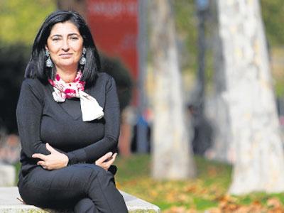 Luz Neira, coordinadora del estudio, en el campus de Getafe de la Universidad Carlos III de Madrid.