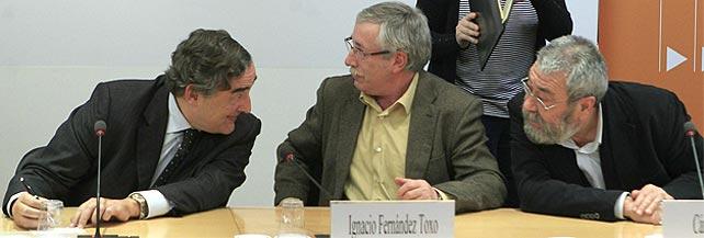 Rosell, Toxo y Méndez durante la firma del acuerdo. EFE