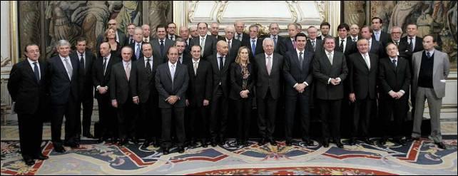 Los ministros de Fomento, Ana Pastor; Exteriores, José Manuel García-Margallo; e Industria, José Manuel Soria, junto a ejecutivos de las grandes empresas españolas.