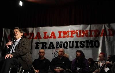 El abogado Carlos Slepoy durante un acto en memoria de los presos franquistas celebrado la semana pasada en Madrid.