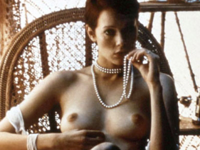 Épico fotograma de la película 'Emmanuelle'.