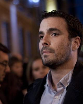 Alberto Garzón en una manifestación el pasado mes de septiembre junto  los manifestantes del '25-S Rodea el Congreso'.