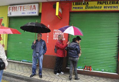 Imagen del negocio que regentaba el suicida de Granada.