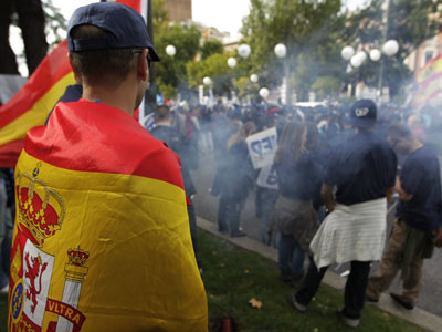 Agentes de Policía se manifiestan contra los recortes frente al Ministerio del Interior.