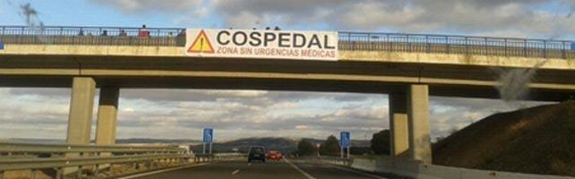 Uno de los carteles colocados por varios vecinos de la provincia de Cuenca, en diferentes puentes de la A-3.