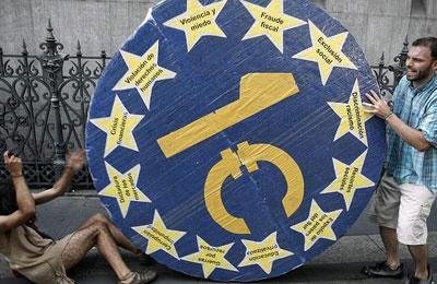 Protesta contra la deuda del 15-M madrileño.