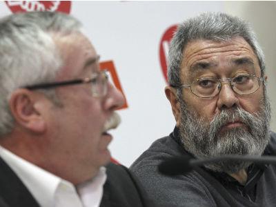 Los secretarios generales de CCOO y UGT, Ignacio Fernández Toxo y Cándido Méndez, han presentado este viernes un documento con las propuestas sindicales para promover el crecimiento, el empleo y la cohesión social.
