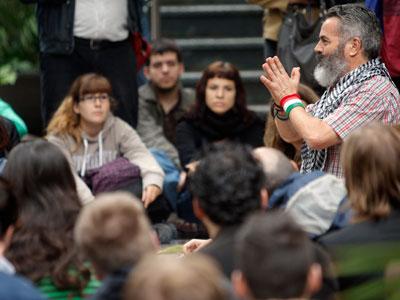 Juan Manuel Sánchez Gordillo, en una charla con estudiantes de Filosofía, en Valencia.