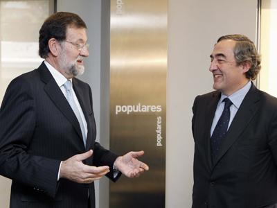 Mariano Rajoy con el presidente de la CEOE, Juan Rosell, tras la reunión mantenida en Génova después de las pasadas Elecciones Generales.-EFE