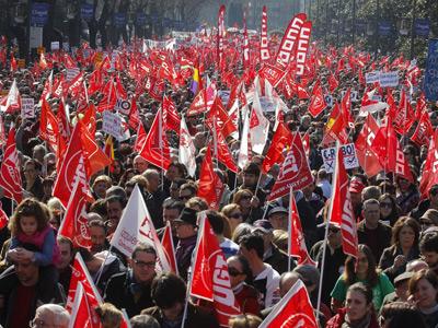 El centro de Madrid, colapsado por la manifestación de ayer. Fernando Sánchez