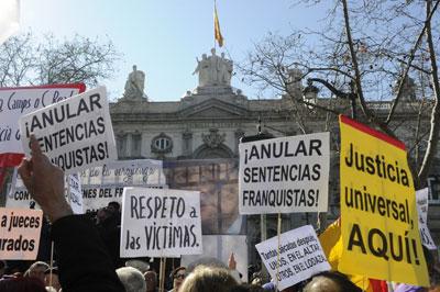Acto de solidaridad con las víctimas del franquismo.-