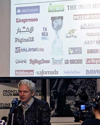 Julian Assange durante su última rueda de prensa.