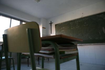 Crucifijo en un colegio concertado de Madrid.- R. Sedano