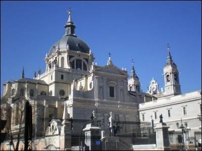 La catedral de La Almudena, en Madrid.
