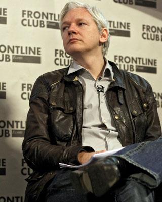 El fundador de Wikileaks, Julian Assange, durante una rueda de prensa en Londres. -