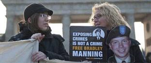 El Pentágono acusa al soldado Manning de ayudar a Al Qaeda