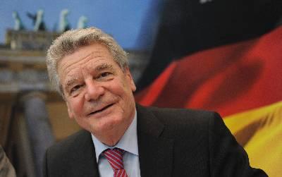 El pastor luterano y antiguo disidente de la RDA de 72 años de edad, Joachim Gauck, quien será elegido hoy nuevo presidente de Alemania, a su llegada a la reunión del Partido Liberal (FDP) en Berlín (Alemania), el 17 de marzo de 2012.