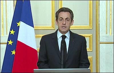 El presidente francés se dirige a los ciudadanos por televisión.