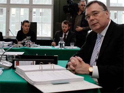 Geir Haarde espera en la corte de Reykjavik - REUTERS