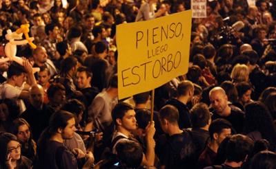 El anuncio de la reforma del Código Penal ha recibido duras críticas por parte del entorno del 15-M. En la foto, una protesta en Sol. FOTO: FERNANDO SÁNCHEZ