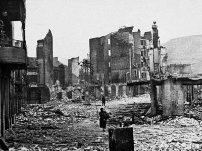 Imagen del bombardeo de Gernika.