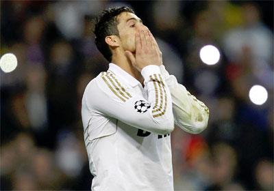 Cristiano Ronaldo se lamenta de su lanzamiento fallido en la tanda de penaltis. -
