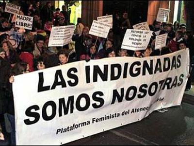 Manifestación feminista en Madrid pidiendo la dimisión de Gallardón. EFE