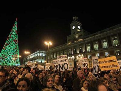Acto contra la violencia de género en la Puerta del Sol de Madrid. R. SEDANO